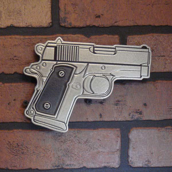 A Pistol Ornament Picture